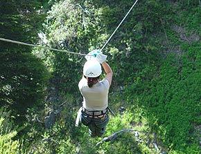 Hoy me enteré lo que era un Canopy y por si alguno está en la misma situación le diré que un Canopy es un artilugio que sirve para deslizarse por un cable ... & Canopy en Bedoya